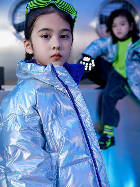 优仔优妹UZUM童装品牌2020秋冬银色羽绒外套