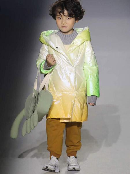 NNE&KIKI童装品牌2020秋冬渐变色羽绒外套