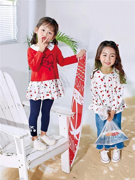 嗒嘀嗒童装品牌2020秋冬印花上衣