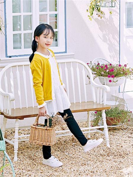 嗒嘀嗒童装品牌2020秋冬黄色外套