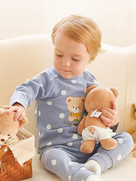 拉比童装品牌2020秋冬斑点蓝色连体衣