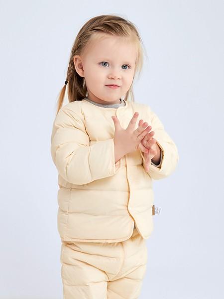 拉比童装品牌2020秋冬米黄色棉套装