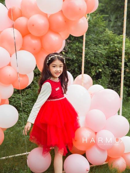 哈沐童装品牌2020秋冬红色连衣纱裙