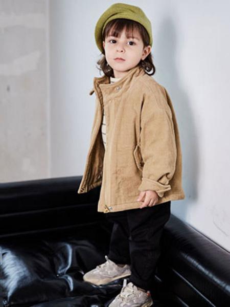 幼米童装品牌2020秋冬女童卡其色加棉外套