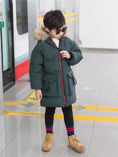 优卡蓝猫童装品牌2020秋冬深绿色保暖羽绒服