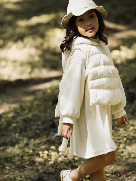 吾名堂童装品牌2020冬季白色无袖羽绒服