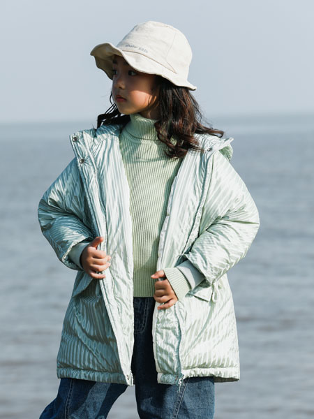 吾名堂童装品牌2020冬季青色保暖外套
