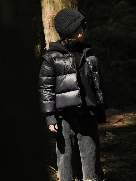 吾名堂童装品牌2020冬季保暖黑色羽绒服