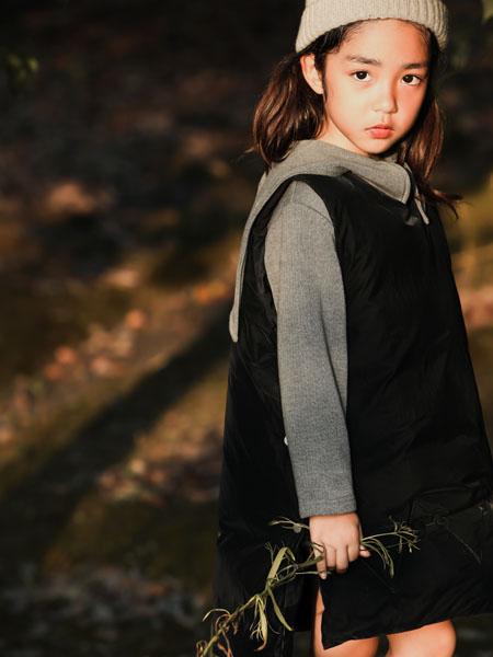 吾名堂童装品牌2020冬季无袖黑色上衣
