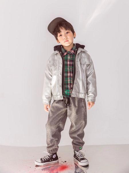 宠来宠趣童装品牌2020秋冬白色时尚外套