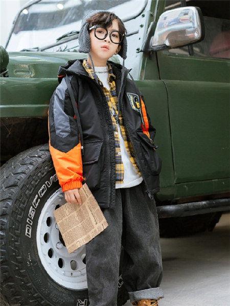童年领域童装品牌2020秋冬黑色拼接带帽个性外套
