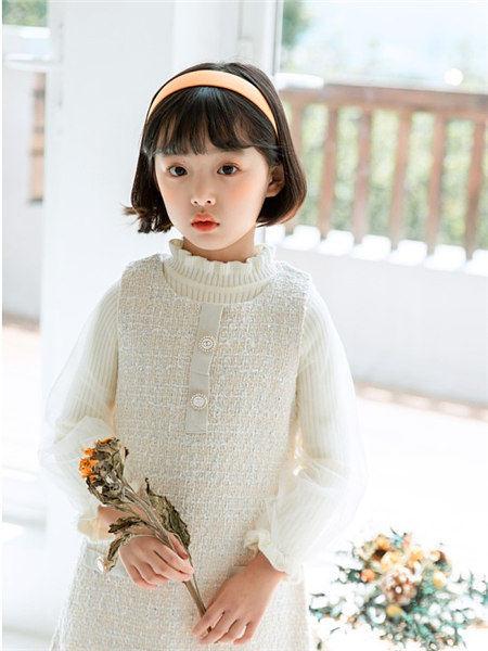 童年领域童装品牌2020秋冬可爱白色针织衫