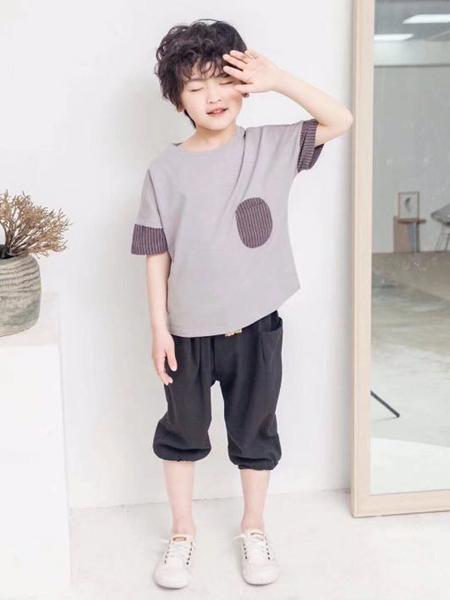 咔士尼童装品牌2021春夏巧克力色特色短袖T恤