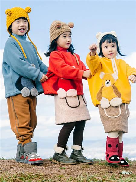 野柿童装品牌2020冬季纯色可爱小熊休闲卫衣