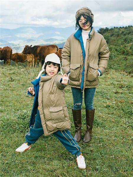 野柿童装品牌2020冬季军绿色大口袋亲子羽绒服外套