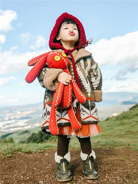 野柿童装品牌2020冬季日系森系带帽加绒外套