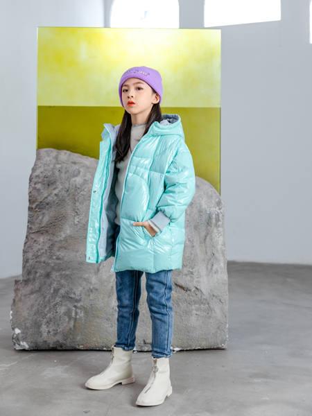 卡儿菲特童装品牌2020冬季蓝色带帽长袖羽绒服外套