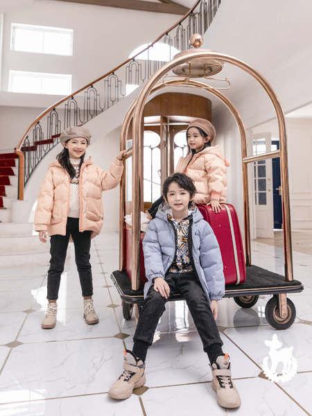 卡儿菲特童装品牌2020冬季纯色经典简约带帽羽绒服外套