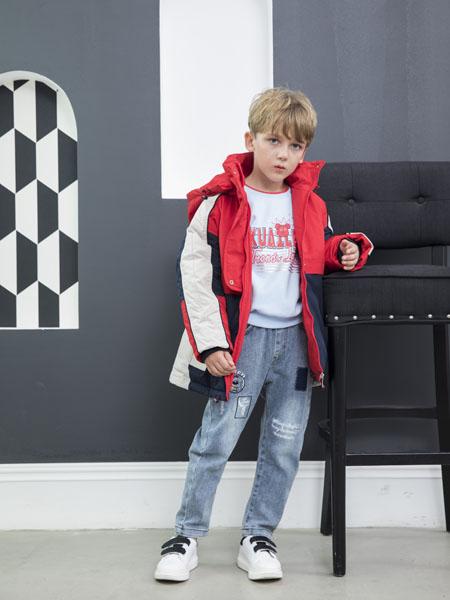 快乐精灵童装品牌2020冬季经典红蓝白配色连帽羽绒服