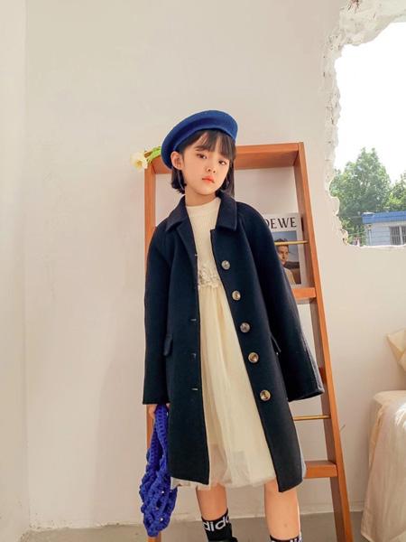 世纪童话童装品牌2020冬季韩版学院风金属扣毛呢大衣