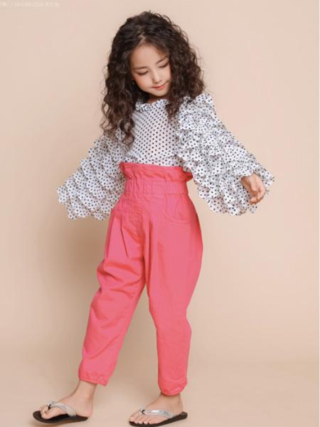 世纪童话童装品牌2020冬季黑白波点复古法式上衣