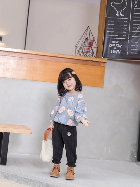 缝纫机小队长童装品牌2020冬季清新可爱INS风圆领上衣