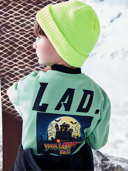 以纯童装品牌2020冬季绿色拼接时尚印花休闲卫衣