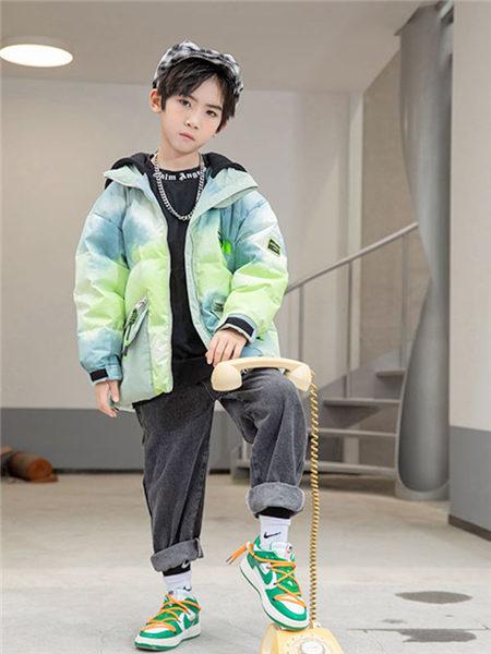 123童装童装品牌2020冬季渐变色潮流短款羽绒夹克