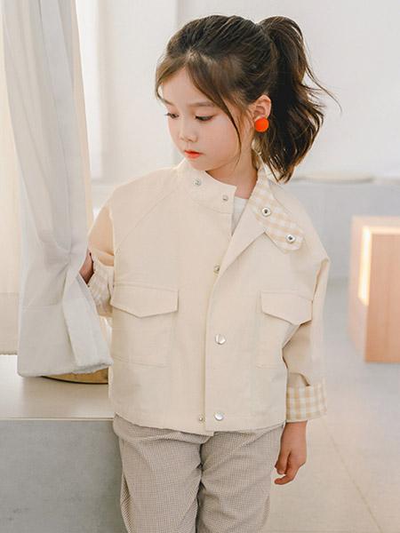 Flordeer弗萝町童装品牌2020秋冬白色短款外套