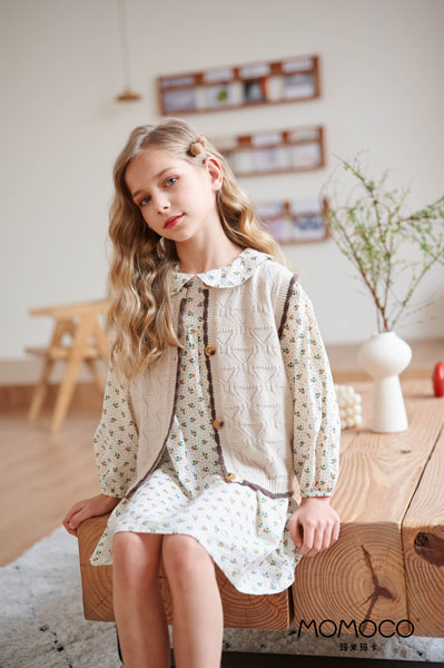 MOMOCO童装品牌2021春夏娃娃领外套