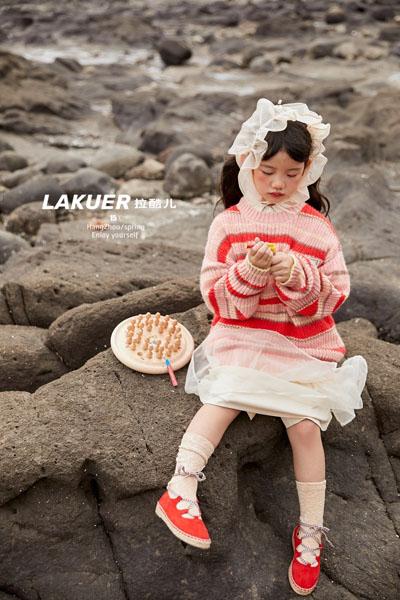 拉酷儿童装品牌2021春夏条纹毛衣