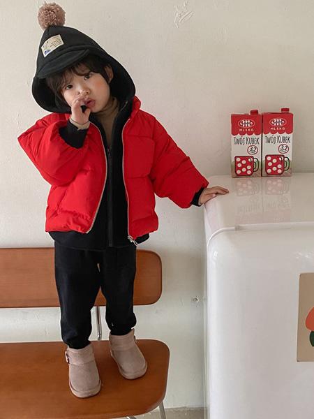 童年永恒童装品牌2021春夏红色羽绒服