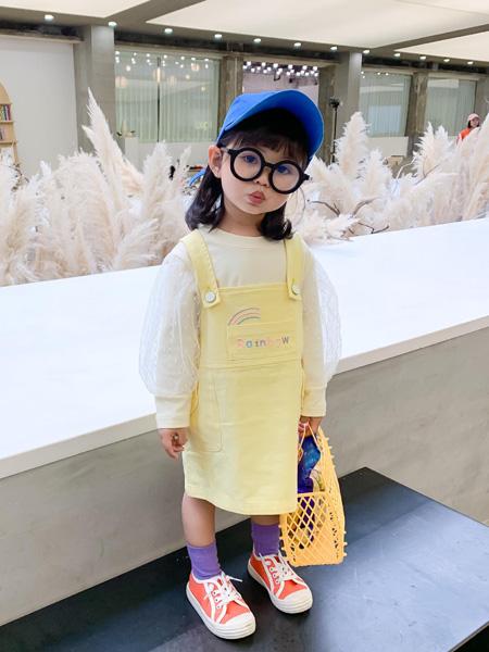 宾果童话童装品牌2021春夏黄色吊带裙