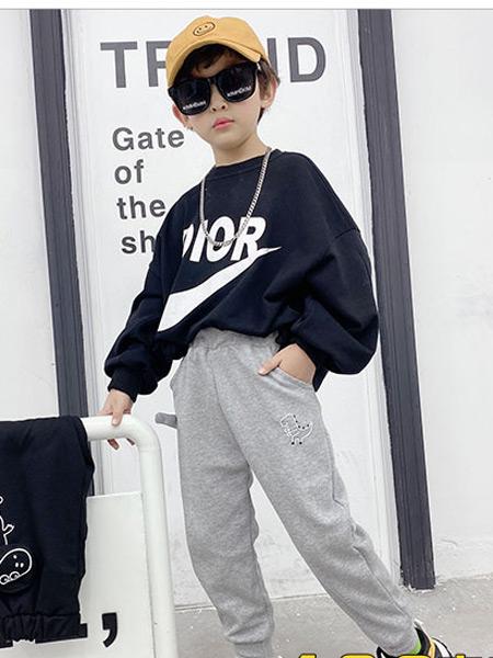 123童装童装品牌2021春夏印花字母卫衣