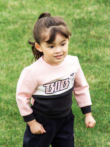 小黄鸭青少年童装品牌2021春夏粉色运动外衣