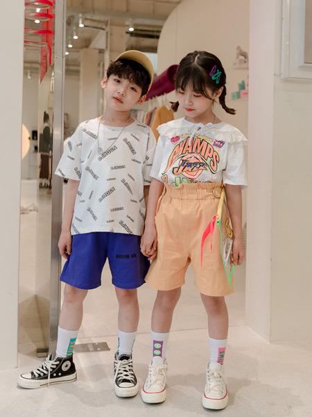 糖麦卡童装品牌2021春夏音字母外衣
