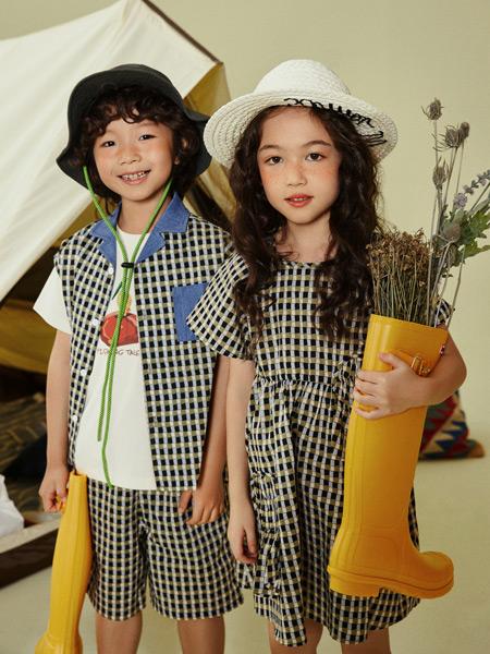 Moomoo童装品牌2021春夏格子套装