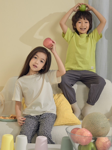 Moomoo童装品牌2021春夏简约上衣