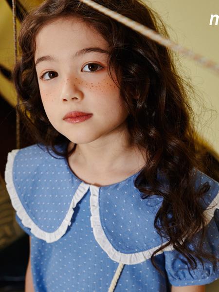MooMoo童装品牌2021春夏蓝色波点上衣