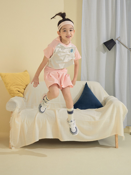 MooMoo童装品牌2021春夏撞色运动套装