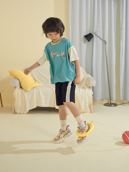 MooMoo童装品牌2021春夏运动马甲