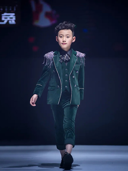 喜绒兔童装品牌2021春夏绿色套装
