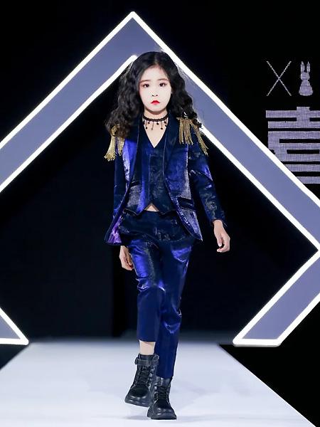 喜绒兔童装品牌2021春夏水汽蓝紫色套装