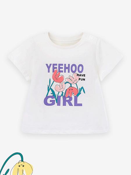 英氏童装品牌2021春夏印字母小花图案短袖上衣
