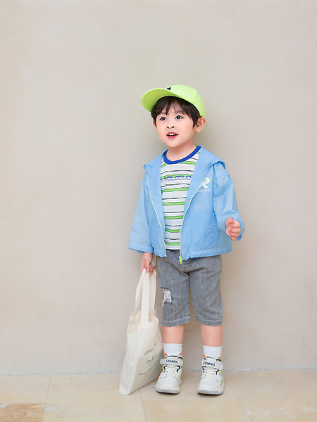 田果果童装品牌2021春夏蓝色连帽外套