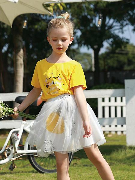 芭乐兔童装品牌2021春夏休闲黄色T恤