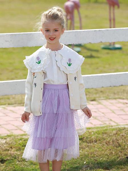 芭乐兔童装品牌2021春夏学院风肤色外套
