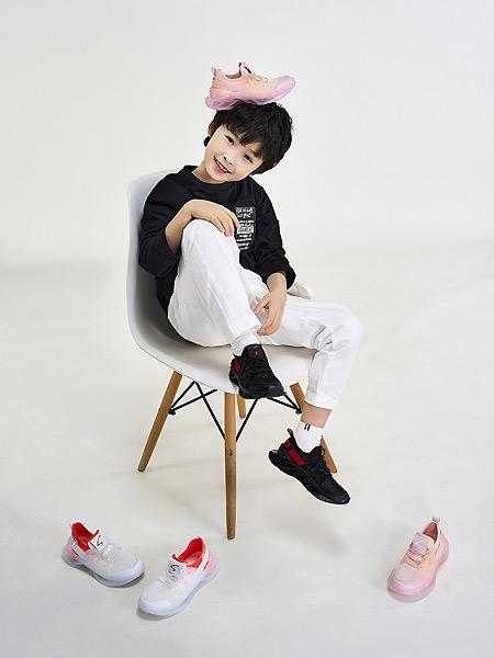 沙驰童鞋童鞋品牌2021春夏透气时尚运动鞋