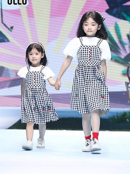 优露童装童装品牌2021春夏格子假两件套泡泡袖连衣裙