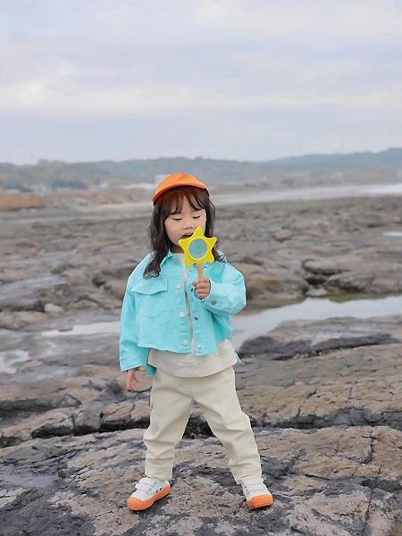 萌宝宝童装品牌2021春时尚短款外套